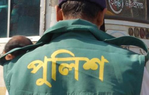 পুলিশ অফিসারের কুপ্রস্তাবে রাজি না হওয়ায় এক কলেজছাত্রী মাদকের মামলায় জেলে