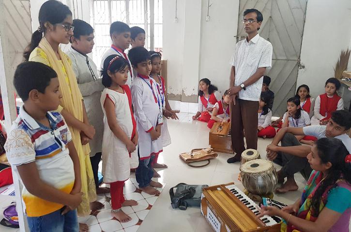 আখাউড়া উপজেলা শিল্পকলা একাডেমির শিক্ষার্থীরা বিটিভিতে সংগীত পরিবেশন করবে