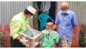 ব্রাহ্মণবাড়িয়ায় ঈদ উপহার নিয়ে মুক্তিযোদ্ধাদের বাড়ি বাড়ি ভাইস চেয়ারম্যান